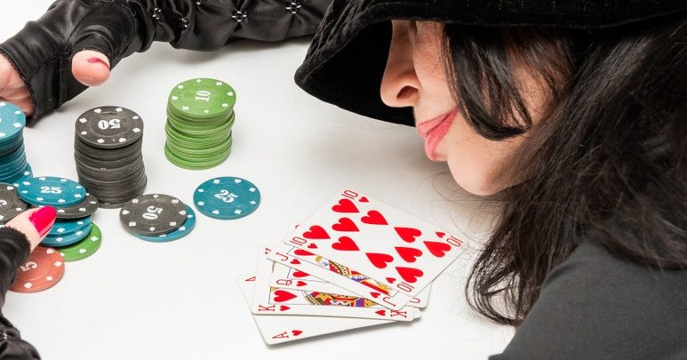 Attraction in Online Poker Gambling Agents